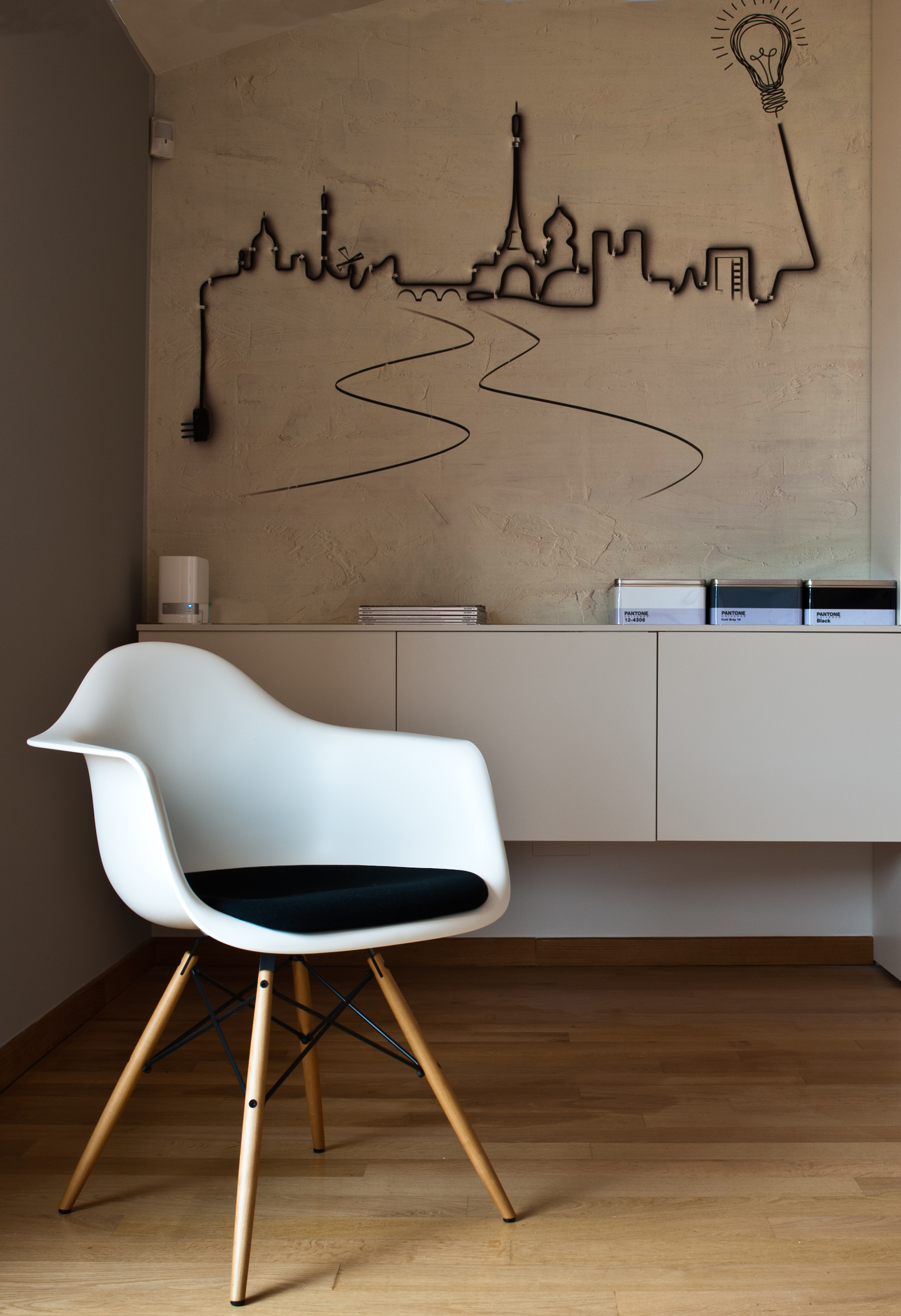 Daw eames plastic chair sedia icona di stile ed eleganza for Sedia vitra eames