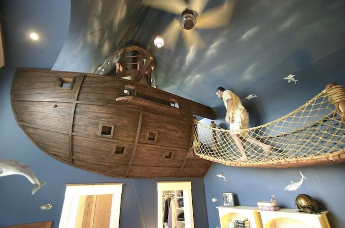 Pirate-Ship-Bedroom